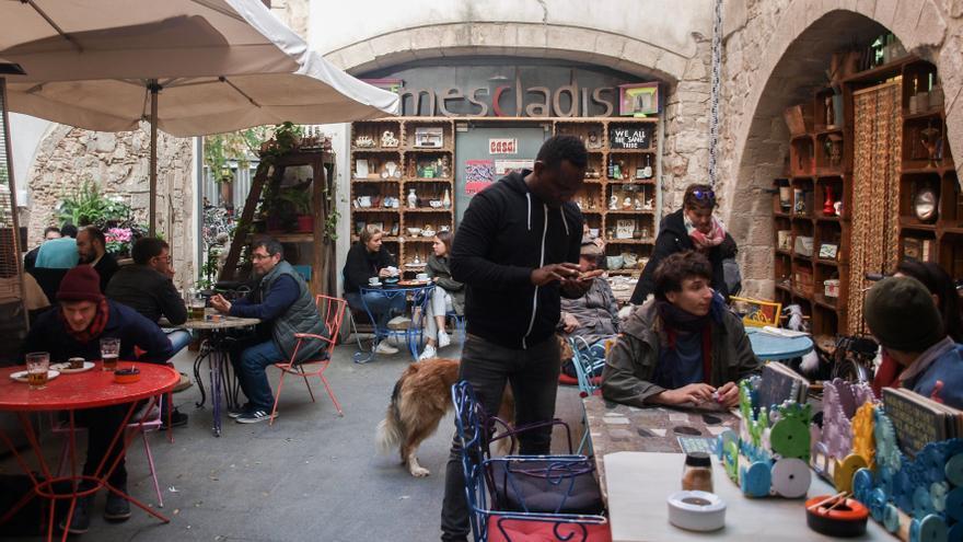 Mescladís Un Restaurante De Moda En Barcelona Que Ayuda A
