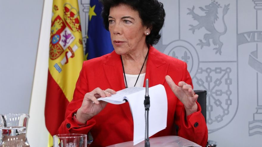 """Celaá asegura que el Gobierno tiene una agenda """"para toda la sociedad catalana"""" y defiende el diálogo con el Govern"""
