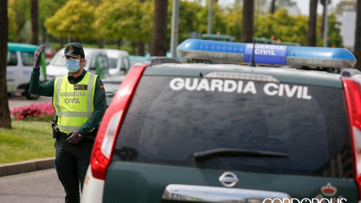 Guardias civiles de servicio.
