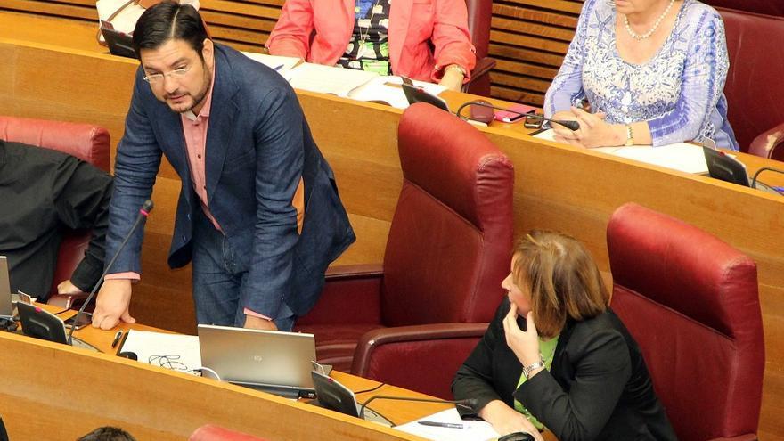 Ignacio Blanco y Marga Sanz, en una sesión de les Corts