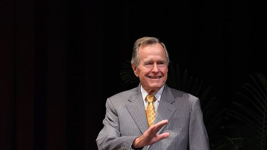 Hospitalizan al expresidente George H. W. Bush en Houston