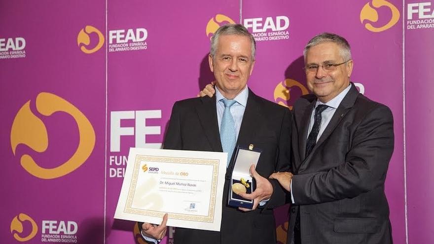 El doctor de la UN Miguel Ángel Muñoz Navas, Medalla de Oro de la Sociedad Española de Patología Digestiva