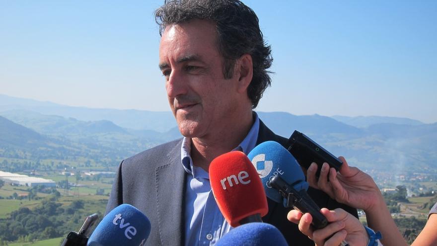 """Cantabria tiene """"todos los ingredientes"""" para ser """"potencia logística"""" europea y """"solo falta"""" La Pasiega, según Martín"""