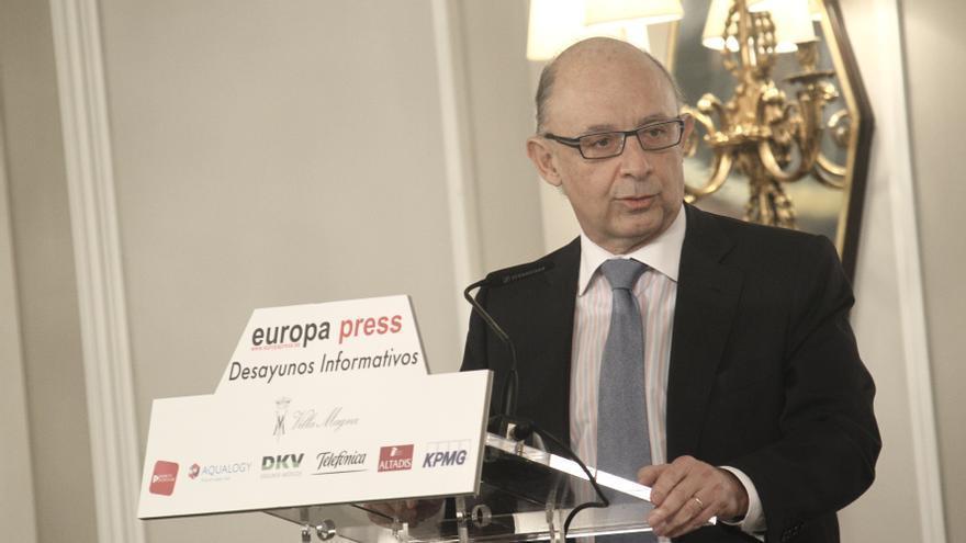 (Ampl.) Montoro dice que la devaluación interna debe continuar porque está sacando a España de la crisis
