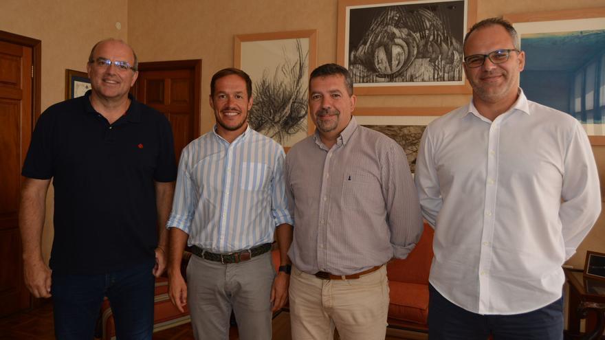 Primera reunión de La Bajada celebrada en el Cabildo.
