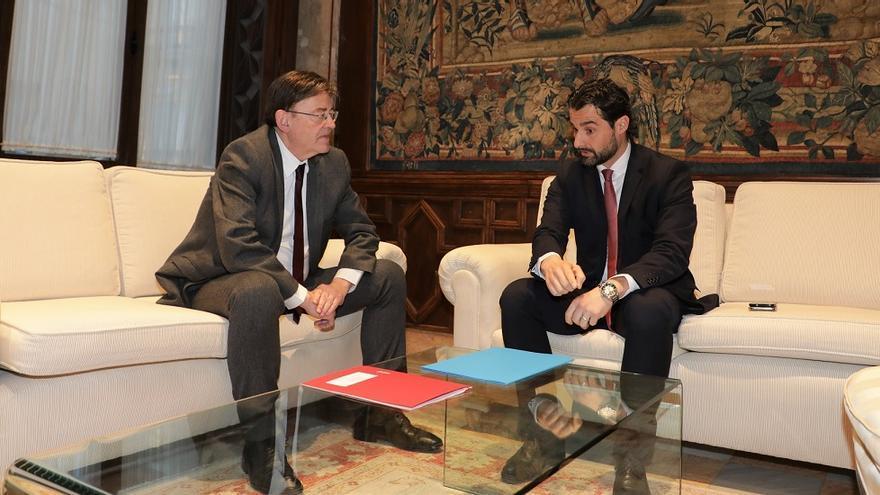 Imagen de la entrevista entre Puig y Dolón en el Palau de la Generalitat