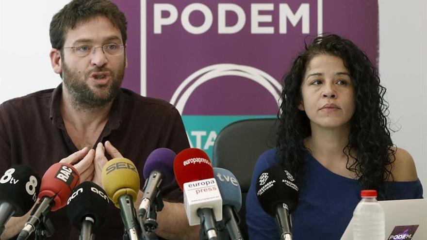 El secretario general de Podem, Albano Dante Fachin, junto a la secretaria de organización, Rut Moreta
