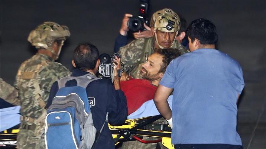 Espeleólogo español se recupera en clínica en Lima tras rescate de cueva