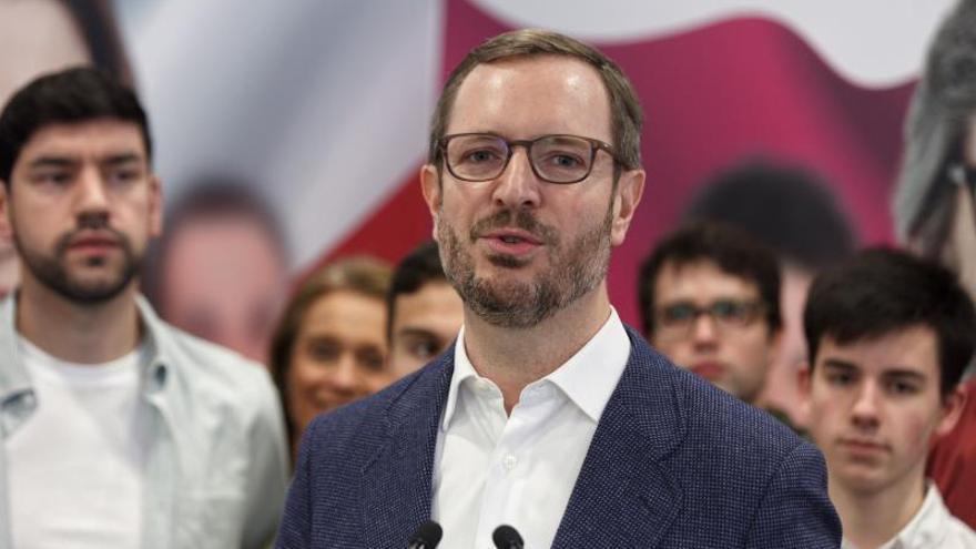 Maroto pide una ley que impida que el euskera se exija en el empleo público