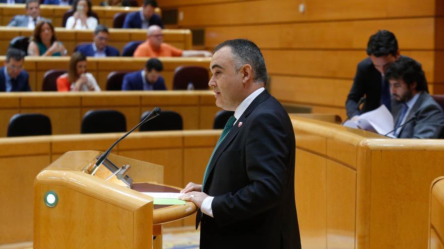 Archivo - El senador autonómico por Cantabria y diputado regional del PRC José Miguel Fernández Viadero