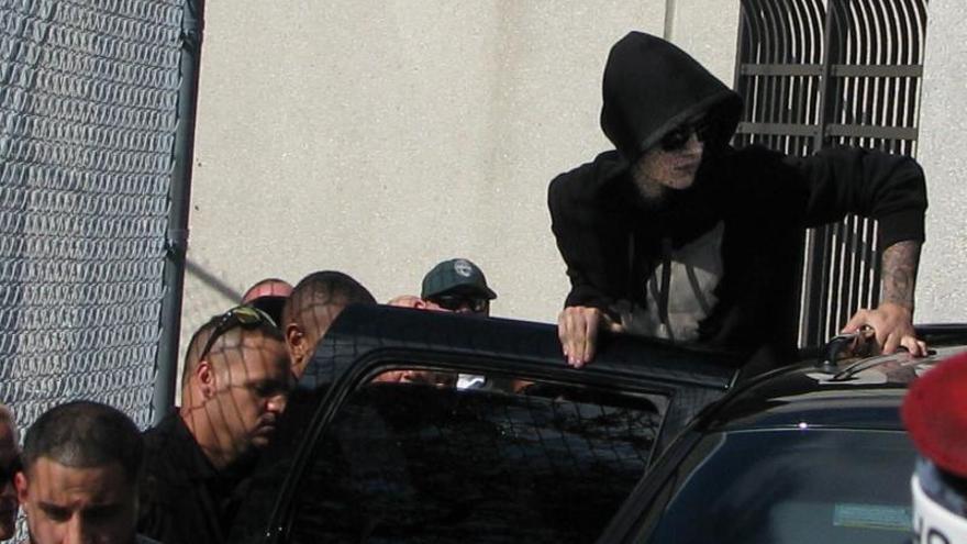 Más de 100.000 firmas piden deportar a Bieber y la Casa Blanca debe responder