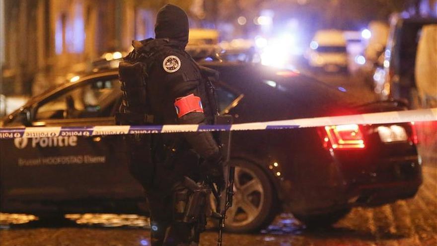Bruselas amanece al ralentí mientras la operación antiterrorista continúa