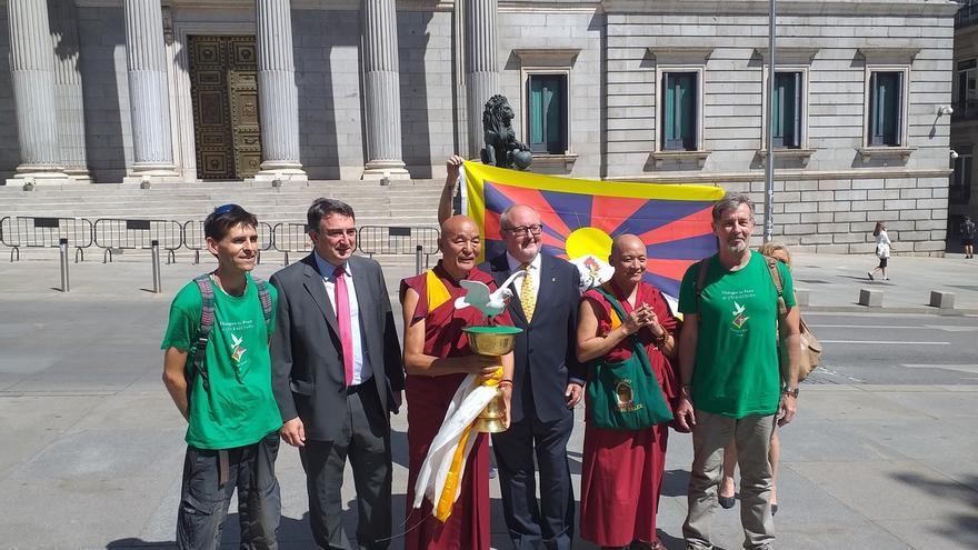 Solo PNV y ERC arropan al director de la Casa del Tíbet de Barcelona, de gira por 30 países para pedir autonomía