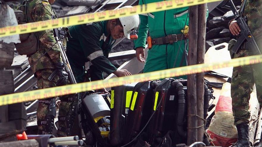 Recuperan el cuerpo de un séptimo minero fallecido en una explosión en Colombia