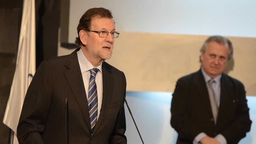 """Rajoy defiende a Cañete: """"No sabemos si el ministro sabía si esa medida iba a beneficiar o no a su familia"""""""