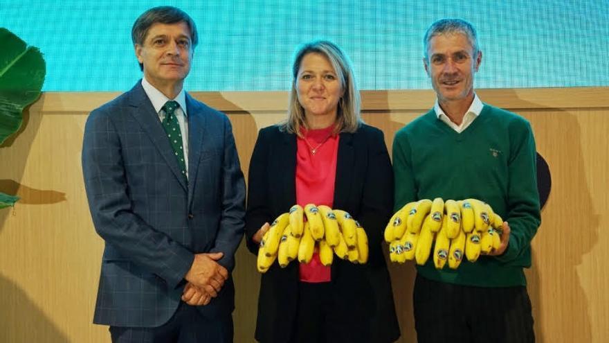 Domingo Martín, Alicia Vanoostende y Martín Fiz.