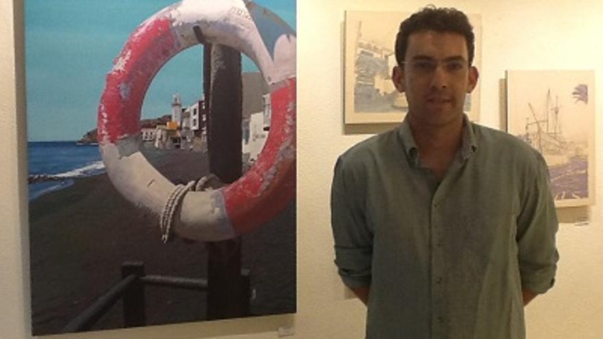 El artista José Manuel Tabares en la sala de exposición de La Molina.