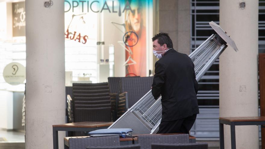 España ha perdido más de 350.000 trabajadores en un año, 92% de ellos vinculados al turismo