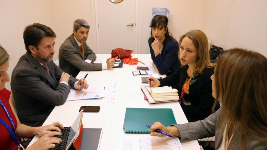 Reunión de la delegación tinerfeña y representantes de Air Berlin en Fitur