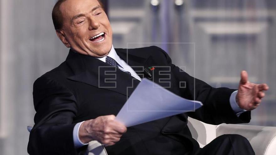 Berlusconi dice que tuvo un papel importante en el final de la Guerra Fría