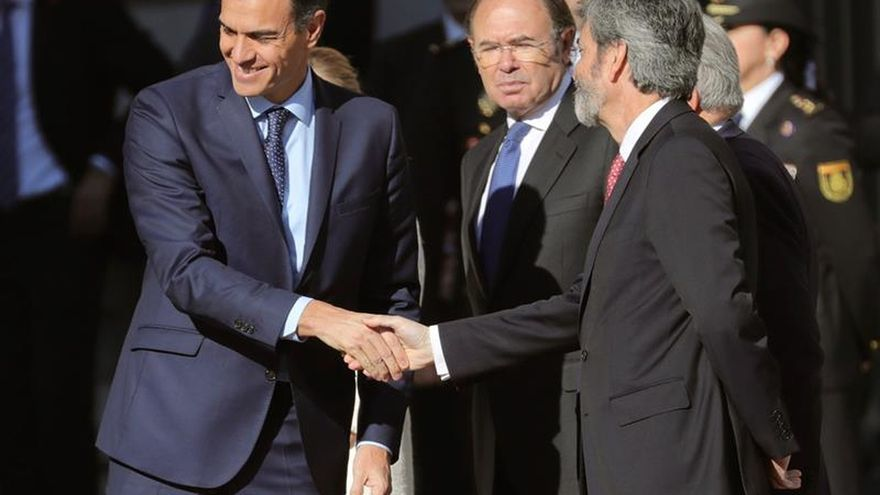 Sánchez considera que reformar la Constitución supondría reforzarla