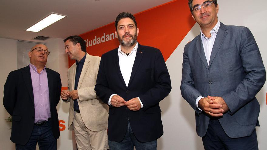 Miguel Sánchez y otros diputados de Cs en la Región de Muria