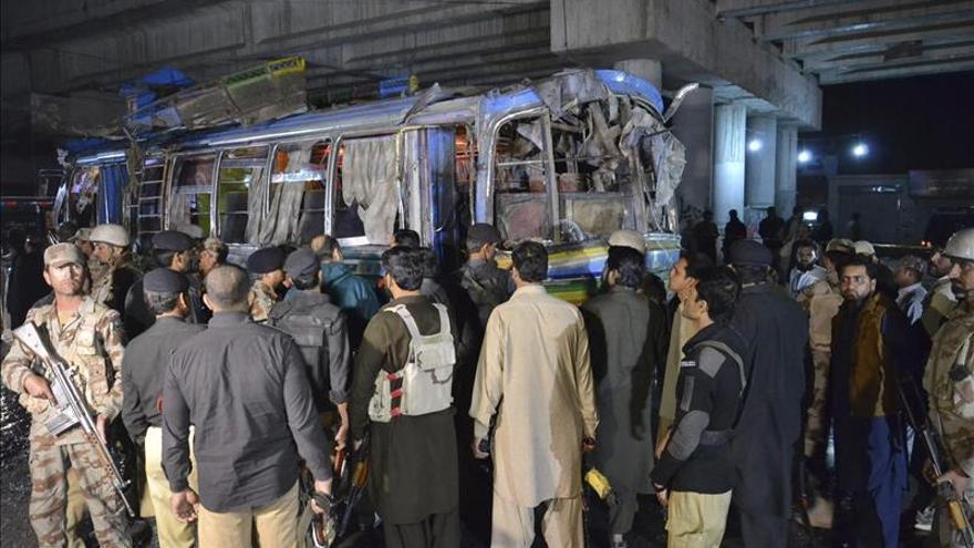 Al menos 22 muertos y 60 heridos en la explosión de una bomba en un mercado de Pakistán