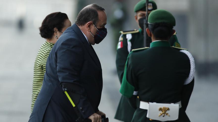 Presidente de Guatemala llega al Palacio Nacional de México para reunión