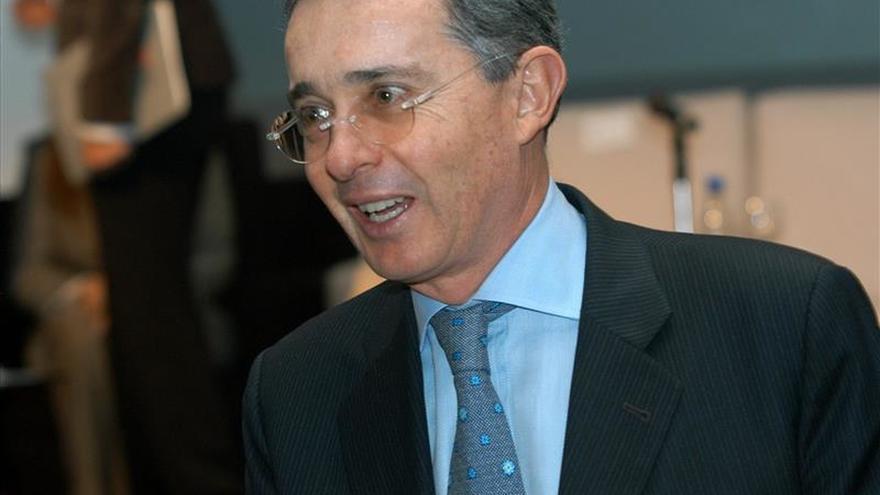 """Uribe dice que las FARC han sido """"el mayor cártel de tráfico cocaína del mundo"""""""
