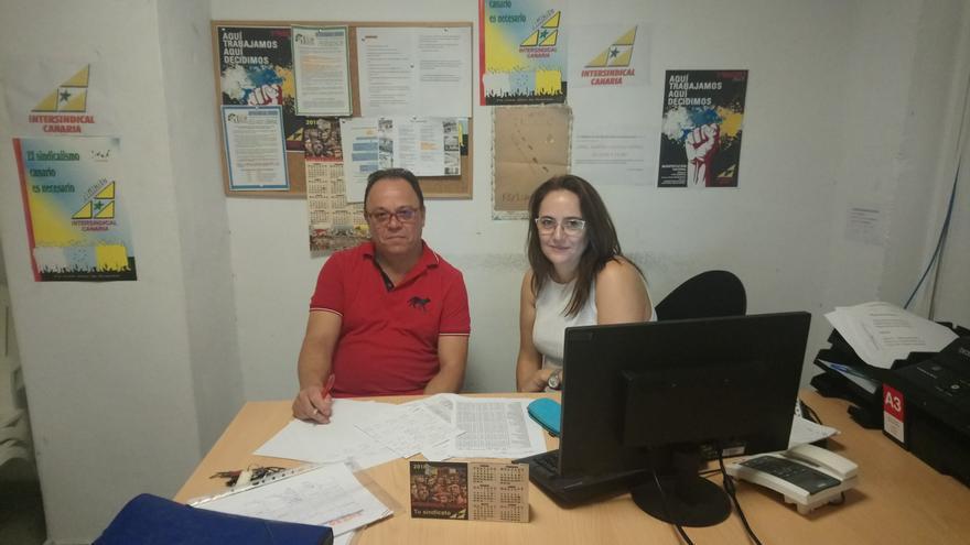 Agustín González Sanabria y Ana Vila de la Peña, de Intersindical Canaria, en una imagen cedida por el sindicato