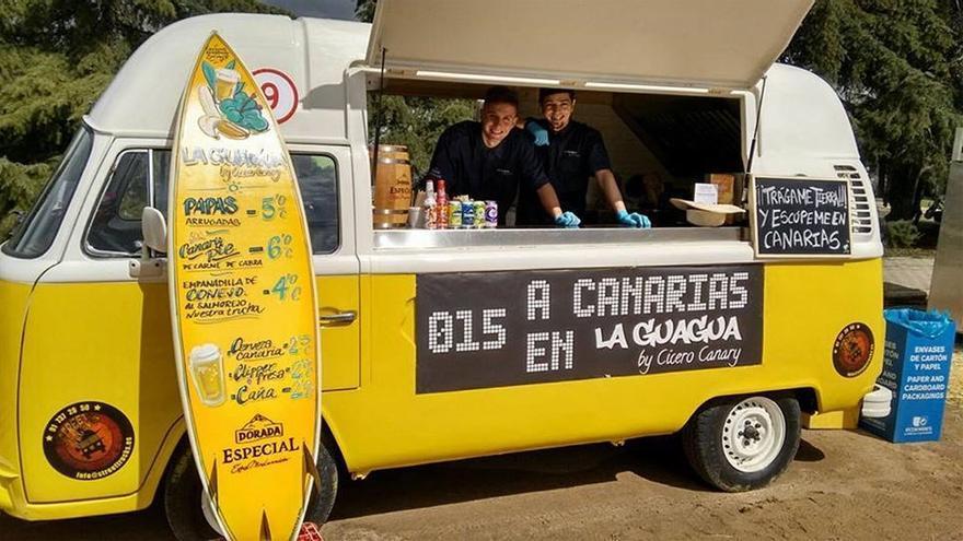 El equipo también se ha introducido en el mercado gastronómico callejero de los 'food trucks'. (www.facebook.com/CiceroCanaryMad)