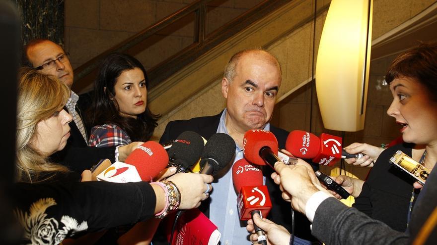 """UPyD avisa de las """"contradicciones flagrantes"""" del PSOE, que firma el pacto con Rajoy pero dice que lo derogará"""