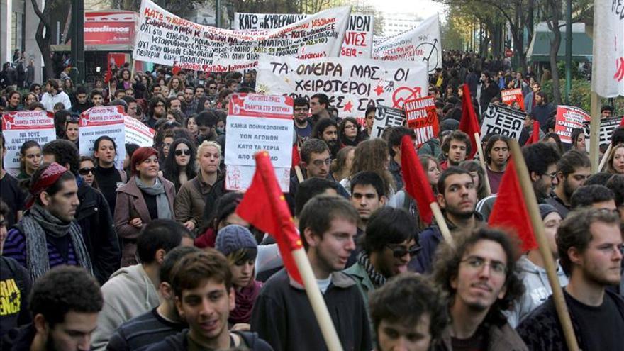 Grecia conmemora 40 años de revuelta estudiantil bajo la sombra de violencia