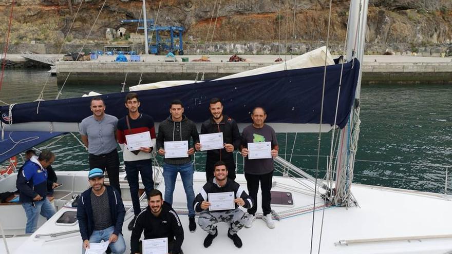 En el programa formativo de Tazacorte figuran cursos de Buques de Pasaje, Patrón Portuario, Operador de Radio en Seguridad Marítima, Formación Básica en Protección Marítima, Sanitario Específico Marítimo y Marinero de Puente.