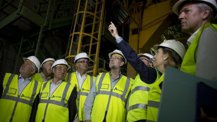 Rajoy y la entonces ministra de Fomento Ana Pastor en una visita el tramo entre Prado y Porto del AVE gallego del que Vimac fue una de las adjudicatarias