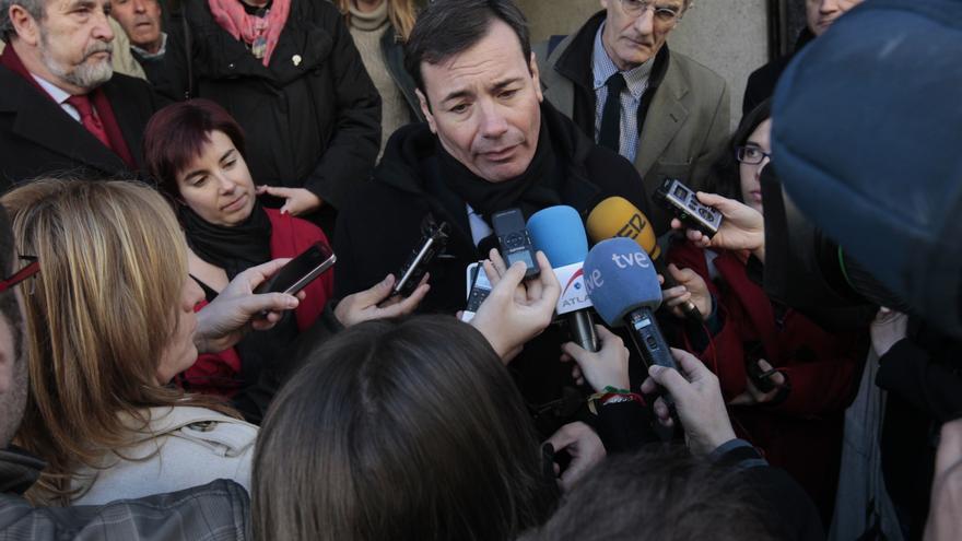 """Tomás Gómez cree que si """"cae"""" la sanidad pública madrileña, """"al día siguiente"""" lo hará la española"""