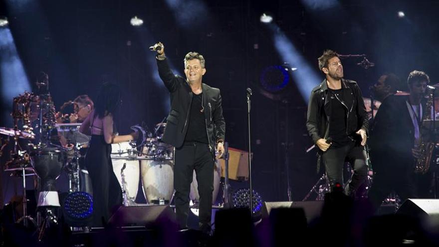 El pop en español se rinde a Alejandro Sanz en una accidentada gran fiesta