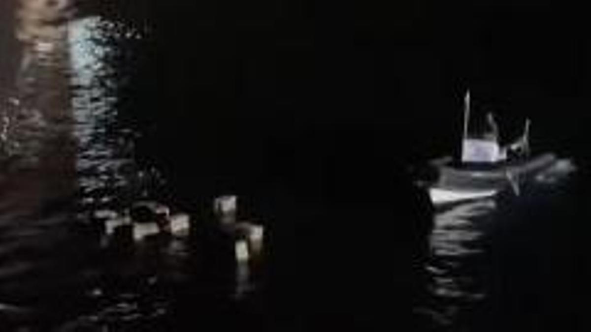 """La lancha """"sospechosa"""" de la que se descargaban supuestos fardos en plena noche en la playa de San Marcos"""