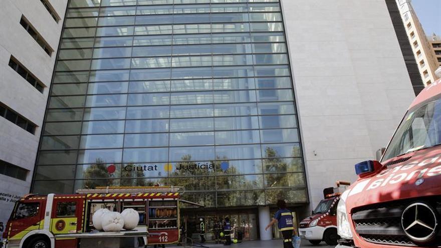 Incendio en los juzgados de Primera Instancia 3 y 4 de Valencia