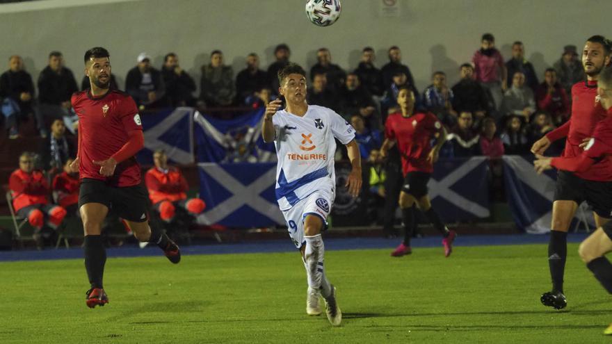 Jorge, durante el CD Mensajero-CD Tenerife de Copa del Rey.