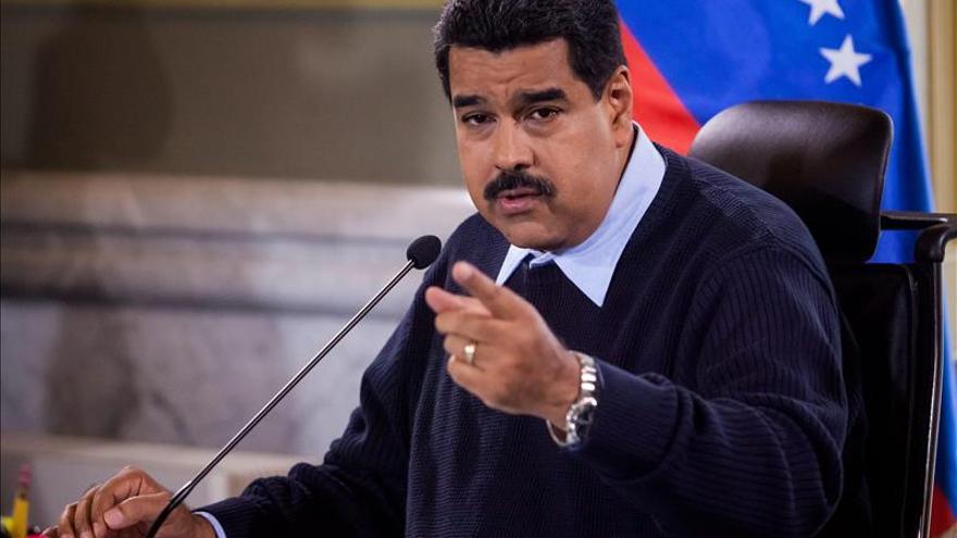 """Maduro dice que llegó el momento de jugarlo todo contra la """"guerra económica"""""""
