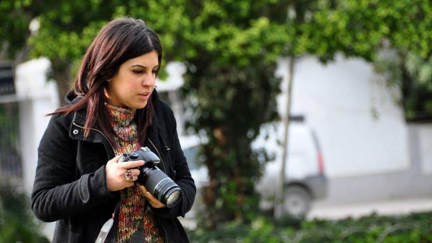 La bloguera tunecina Lina Ben Mhenni en una fotografía de su perfil de Facebook.