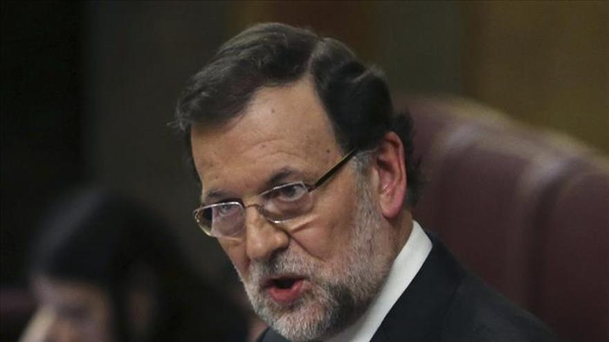 Rajoy no cierra la puerta a rebajar en el futuro el IVA cultural