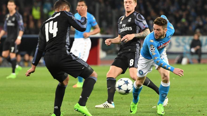 Martens, autor del primer gol, fue una pesadilla para la defensa del Madrid.