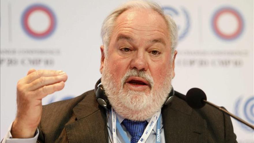 Arias Cañete dice que se va a crear un marco para poner en marcha la unión energética