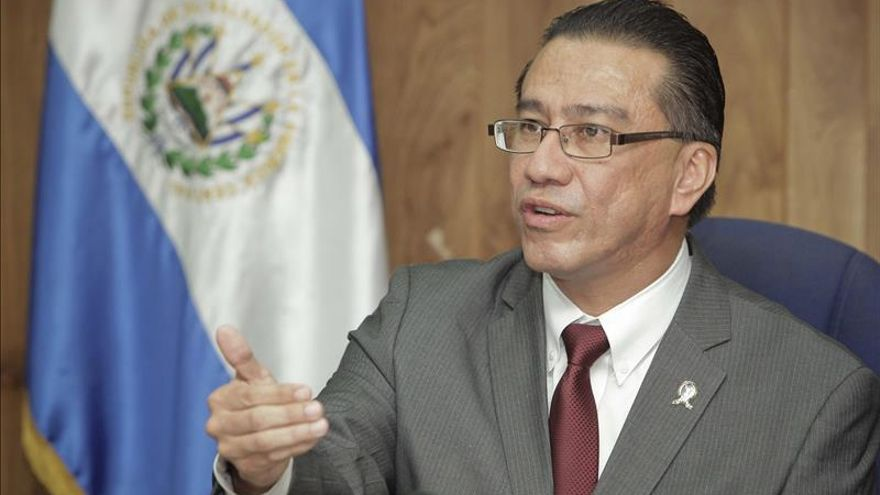 El ombudsman salvadoreño pide al Supremo no bloquear la justicia en la matanza de jesuitas