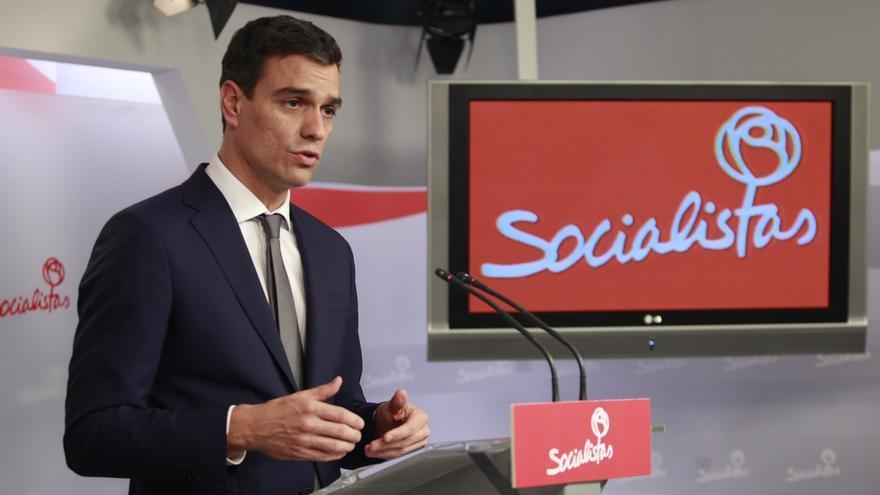 PSOE destaca el rechazo a Juncker o la expulsión de militantes con tarjetas B en los primeros cien días de Sánchez
