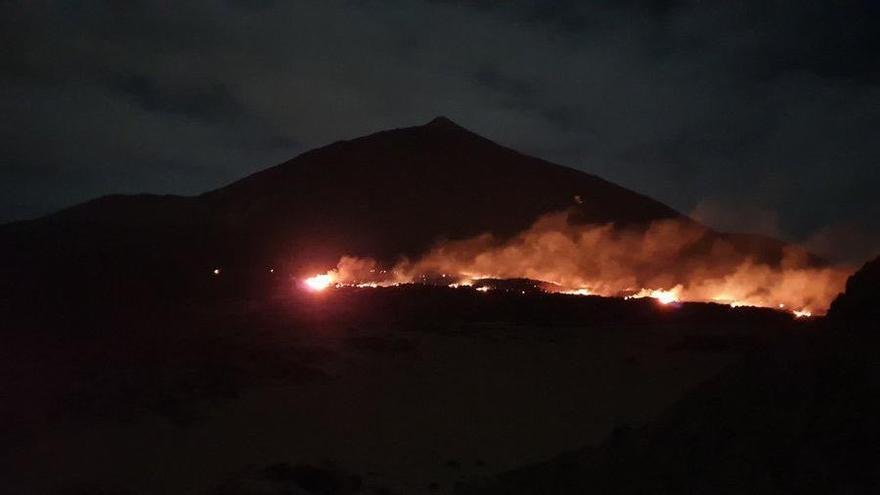 Incendio en el Parque Nacional del Teide.