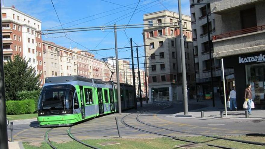 Tranvía en el centro de Vitoria