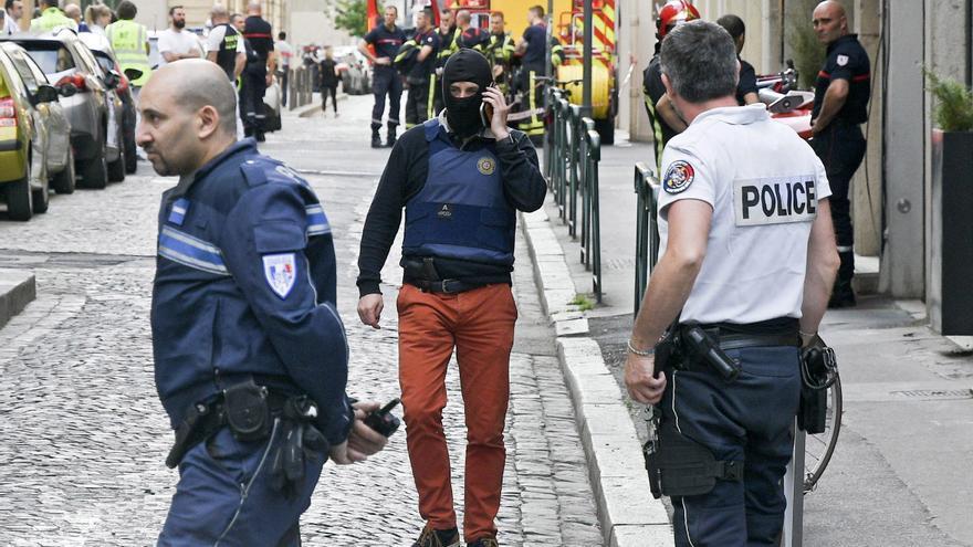 Una explosión de un paquete bomba en el centro de Lyon.